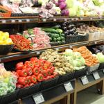 Sähköiset hintanäytöt K-ruokakauppoihin – tarpeettomaksi jääneistä hyllynreunalistoista voi kertyä jopa 500 kilometriä muovia kiertoon